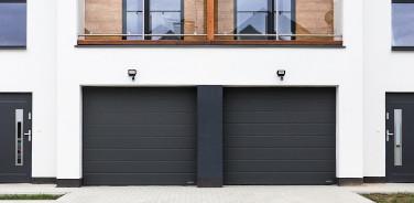Brama w garażu dwustanowiskowym Wiśniowski Nowogard